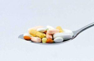 哪些药物会与吉三代产生相互作用?